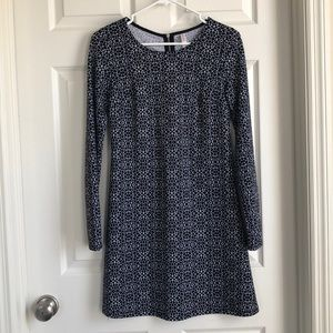 Long sleeve black and white patterned dress